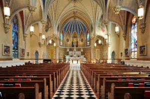 1024px-interior_of_st_andrews_catholic_church_in_roanoke_virginia